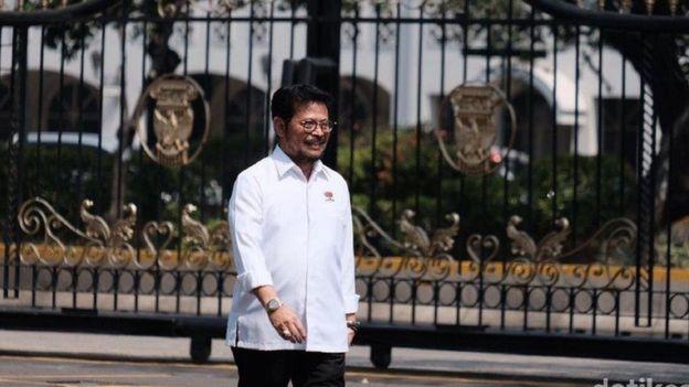 Sri Mulyani dan politikus Nasdem Yasin Limpo tiba di Istana