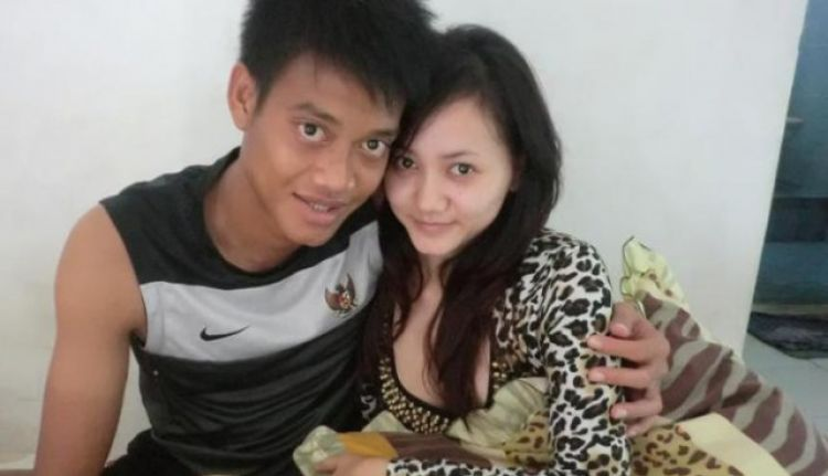 Photo of Bukan Uang, Ini Alasan Wanita Cantik Suka Sama Pemain Bola