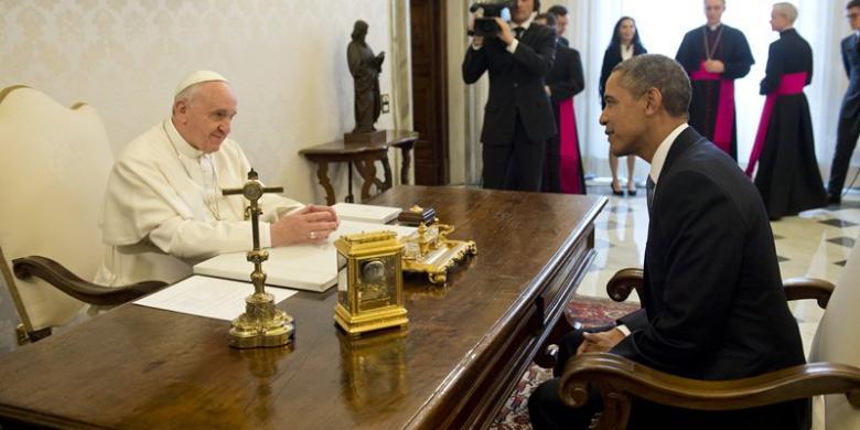 Skandal Keuangan Vatikan, Ajudan Paus Fransiskus Mundur 3
